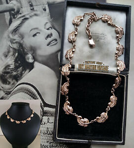 PERFECT VINTAGE 1950s 60s ROSE GOLD ROCOCO LEAF NECKLACE BRIDAL STUNNING GIFT