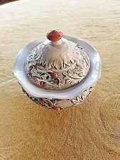Bonbonnière vintage en barbotine-décor floral-V.Bassand