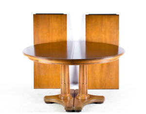HENREDON DOUBLE PEDESTAL ROUND TO OVAL OAK EXTENDING DINING TABLE