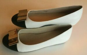 KATE SPADE NewYork Leather Black & White Ballet Flats with Gold bow Size 6.5 M