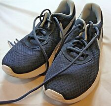 Nike Womens Blue White Sneakers Engineered For All Day Everyday Comfort Size 11