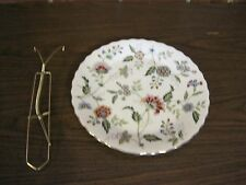ANDREA BY SADEK WHITE FLORAL DECORATIVE PLATE WITH GOLD TRIM