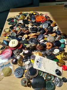 1kg Job Lot of Vintage Buttons