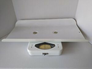 Vintage Borg White Gentle Touch Newborn Baby Scale Up To 30 Lbs in Original Box