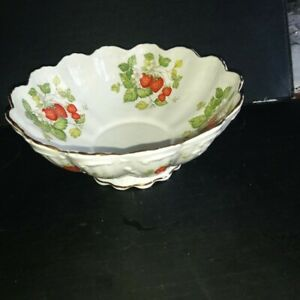Queens Virginia Strawberry Bowl /dish English Fine Bone China Staffordshire VGC