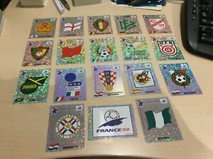 Panini World Cup 1998 - 18 x RARE Shiny Badges (including Spain)