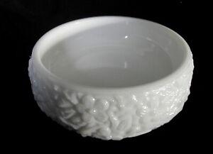 Vintage Avon Milchglas Seifen-Schale OpalGlas Relief Aschenbecher Soap Dish Bowl