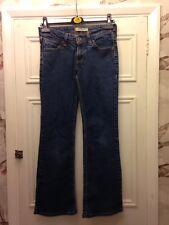 """Levis 572 Boot Cut Jeans 28"""" Diseñador"""