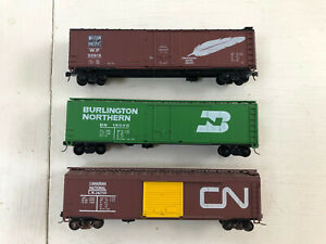 Lot of 3 Roundhouse 50' Boxcars with Kadees