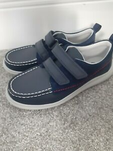 Clarks Boys Navy Shoes Size 12.5 G BRAND NEW LEATHER