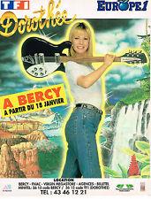 PUBLICITE ADVERTISING 124  1992  EUROPE 1 radio   DOROTHEE  en concert à BERCY