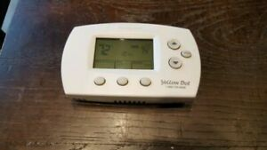 Honeywell Thermostat FocusPro TH6220D – pre-owned
