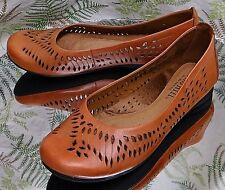 COBB HILL BROWN LEATHER LOAFERS SLIP ONS COMFORT DRESS SHOES MOCS WOMENS SZ 6 M