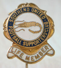SOUTHEND UNITED Vintage SUPPORTERS CLUB LIFE MEMBER Badge Stick pin 21mm x 25mm