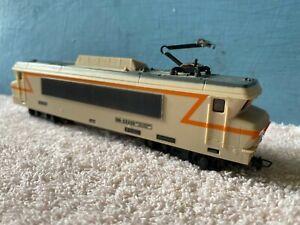 Locomotive électrique BB 22200 SNCF FOBBI non JOUEF circuits train électrique HO