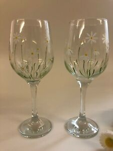 Pair of hand painted Wine Glasses Daisy Design