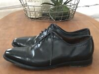 Allen Edmonds Mens 10 Black Vernon Cap Toe Perf Lace Up Oxford Dress Shoe