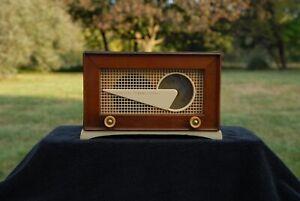 "Vintage Art Deco 1940s Wood Philco Transitone ""Wedge"" Tube Radio - Working"