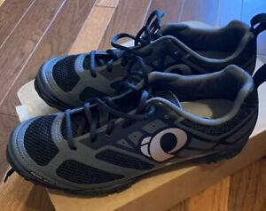 Pearl IzumiX-ALP Seek VI Cycling Shoes (EUR 43) Black Grey Blue
