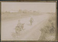 France, A dos d'âne sur une route de campagne, ca.1900, Vintage citrate pri