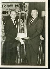 GRUM TROPHY WINNER PRESENTATION-AUTO RACING-1970 PHOTO