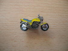 Pin SPILLA HONDA CB 400/cb400 SUPER FOUR GIALLO art. 0592 badge/spilla