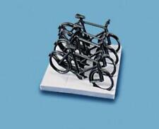 Modelscene 5055 OO Gauge Cycles & Stand
