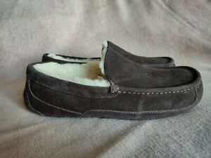 Mens Ugg Ascot Slippers, Stout Colour. UK Size 9