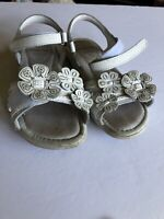 Stride Rite Leather Sandals Girls - Size 11 1/2 Wide - White Flowers Straps