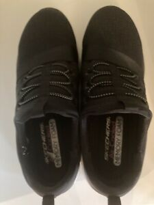Sketchers Relaxed Fit Air Cooled Memory Foam Tennis Shoes Sneakers Women Size 9