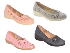 Round Toe Synthetic Floral Flats for Women