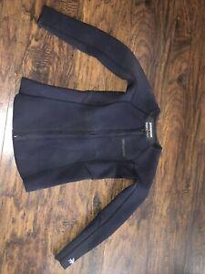 Womens Patagonia  Long-Sleeved Wetsuit Top size 6 Ladies Black