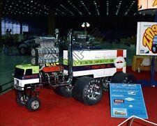 """MPC Zingers Super Semi Truck 1972 McCormick Place Car Show 8""""x 10"""" Photo 77d"""