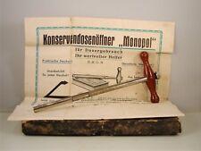 """Apriscatole Can Opener ouvre-boîte """"Monopol"""" + scatola e istruzioni, circa 1930"""