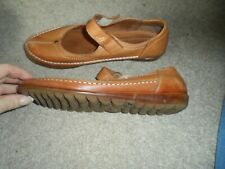 Pavers ladies brown leather comfort shoes size 6