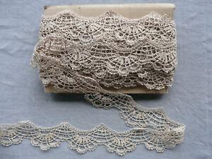 French Antique Scalloped Bobbin Lace Trim Linen Handmade Puy en Velay Per Yard