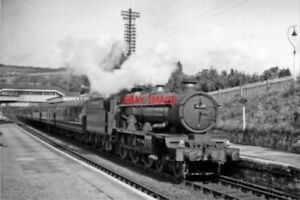 PHOTO  GWR CASTLE NO 4081 WARWICK CASTLE 1958 AT BRENT RAILWAY STATION 08.45 SAL
