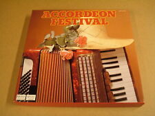8-LP BOX READER'S DIGEST / ACCORDEON FESTIVAL