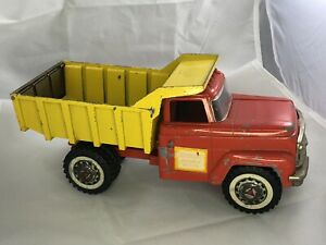 VINTAGE HUBLEY METAL TOY DUMP TRUCK - RED & YELLOW - 1960s Antique