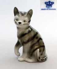 9942208 Porcelain Figurine Wagner & Apel Cat Lifts Paw Gray Mackerel Tabby H16cm