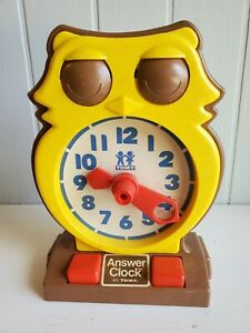 Vintage 1975 TOMY Answer Clock teaching learning time works free shipping!