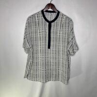 VINCE Silk Buttoned Neckline Blouse White Black Geometric Size 10 Silk Dolman