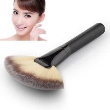 Makeup Cosmetic Fan Pinsel Contour Blending Highlighter Face Powder Brush