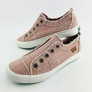 Blowfish Canvas Shoes Sneaker Casual Slip on Womens 9 US Trainer Athletic Flats