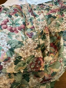 Laura Ashley Rubins Fruit Dust Ruffle