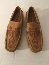 Men's NEW soft Loafers size 9 M by Evergreen with Etched design Tan & Tan Bottom