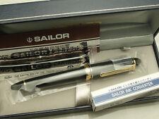 Japanese Sailor Profit Standard / Black 14K Fine-nib with converter 11-1219-220