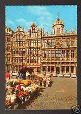 BRUSSEL (BELGIQUE) CITROEN AMI 8 ,RENAULT R8 au Marché