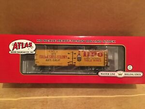 HO Atlas Master Line Italian Swiss Colony/ Tipo Wine 40' Wood Reefer Boxcar #279