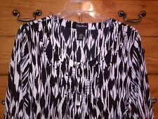 Maggie Barnes 1X (18W 20W) Black & White Abstract 3/4 Sleeve Beaded Top
